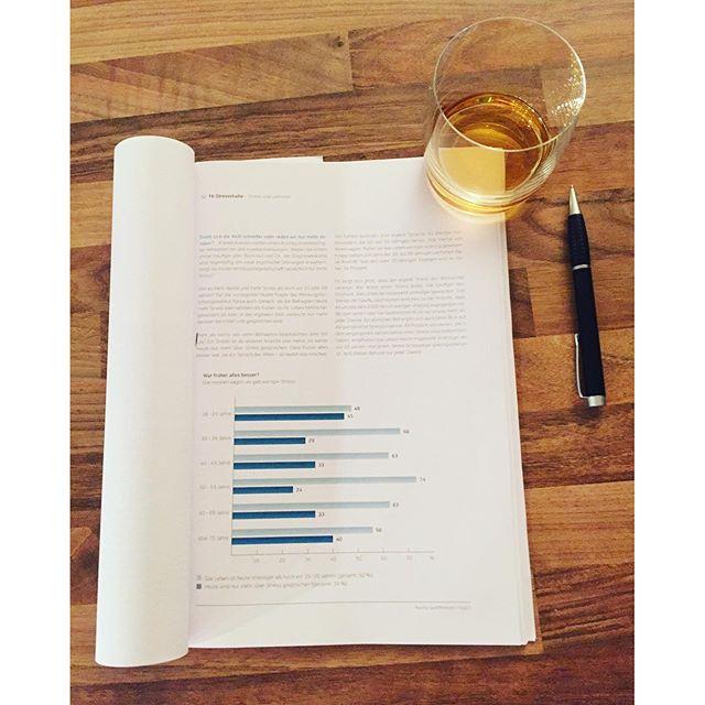 Wie man samstags so lernt…#studywithwhisky #saturdaynight #whisky #tkstressstudie #taliskerskye #neuelernmethoden