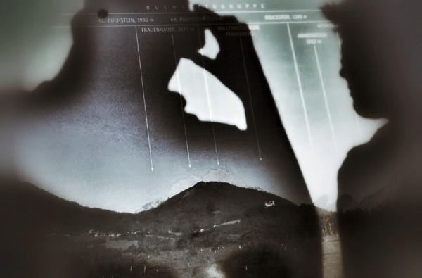 Schatten vor den Bergen