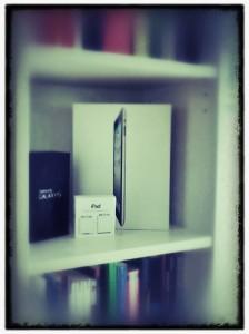 Der Apple iPad und Samsung Galaxy S Schrein