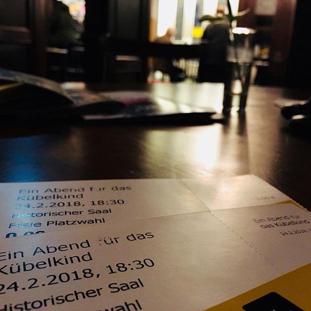Ein Abend für das Kübelkind. Und am Nebentisch spricht Edgar Reitz über sein Schaffen…#vienna #culture #kübelkind #metrokinokulturhaus #EdgarReitz