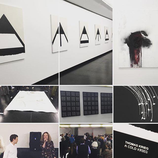 A cold krieg. Spannende Ausstellung von Thomas Krieg gestern im Kunstforum. #vienna #kunstforum #art #thomaskrieg #acoldkrieg #blackandwhite #konfrontation #gegensätze #atomicwinter #ragnarok #warheads