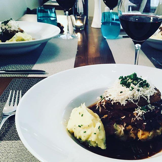 Dinner with friends #foodporn #dinner #latergram #zwischenbrückenwirt #wine #3timesthesame