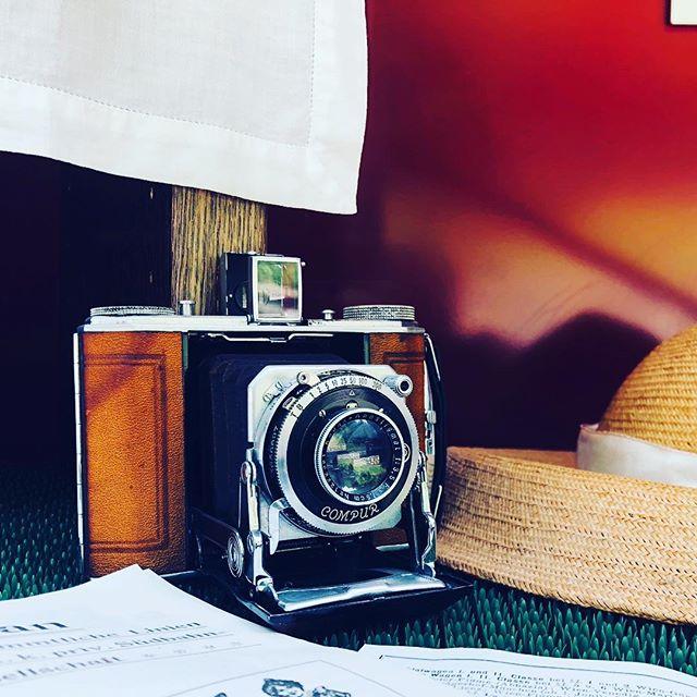 Stillleben mit Fotoapparat