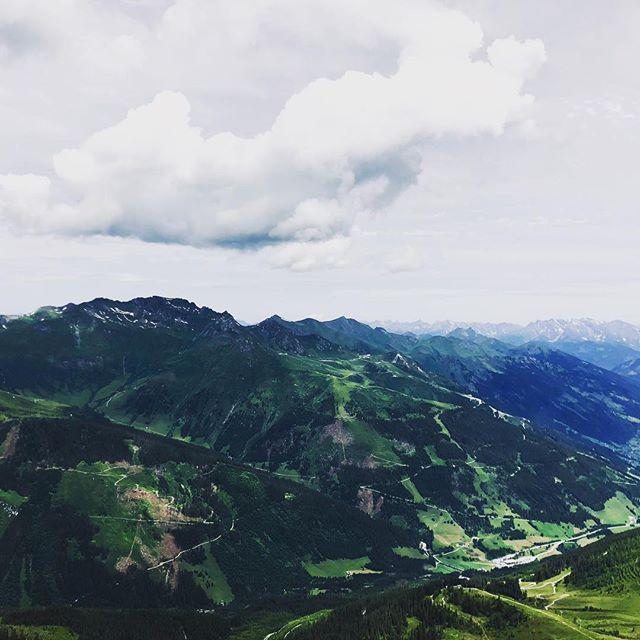 Wolke und Tal