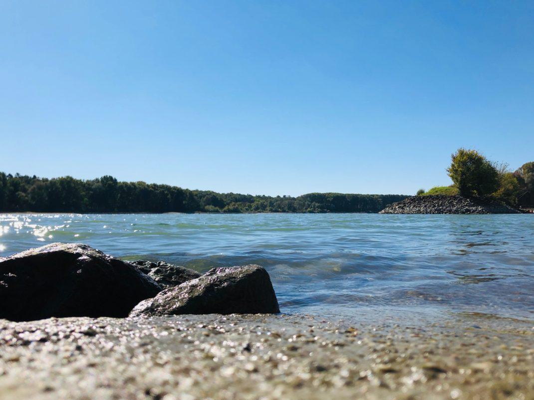 Sonniger Tag an der Donau