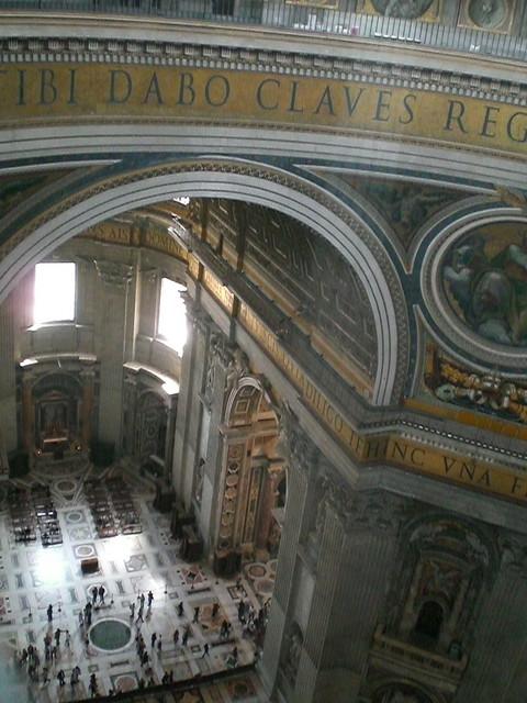 Petersdom innen von Kuppelrundgang