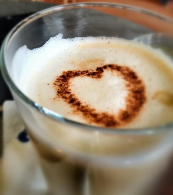 Caffè Latte mit Herz