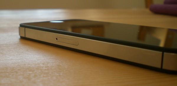SIM-Karten-Slot des iPhone 4S