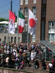 Menschenmenge bei Bujin Taiko auf dem Japantag