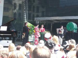 Otone (japanisches Musikensemble) auf der Hauptbühne