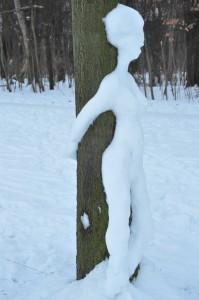 Schneefrau am Baum 2 (seitlich)