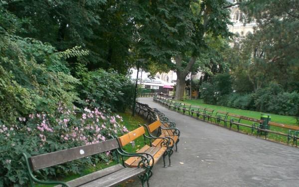 Wallpaper: Park in Wien (Anklicken zur Großansicht/Download)